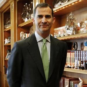 König Felipe von Spanien in seinem Arbeitszimmer.