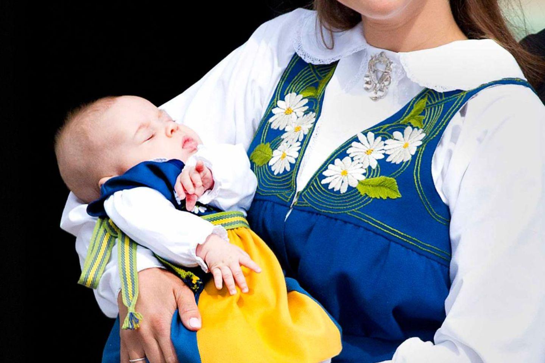 Prinzessin Madeleine und ihre kleine Tochter Leonore