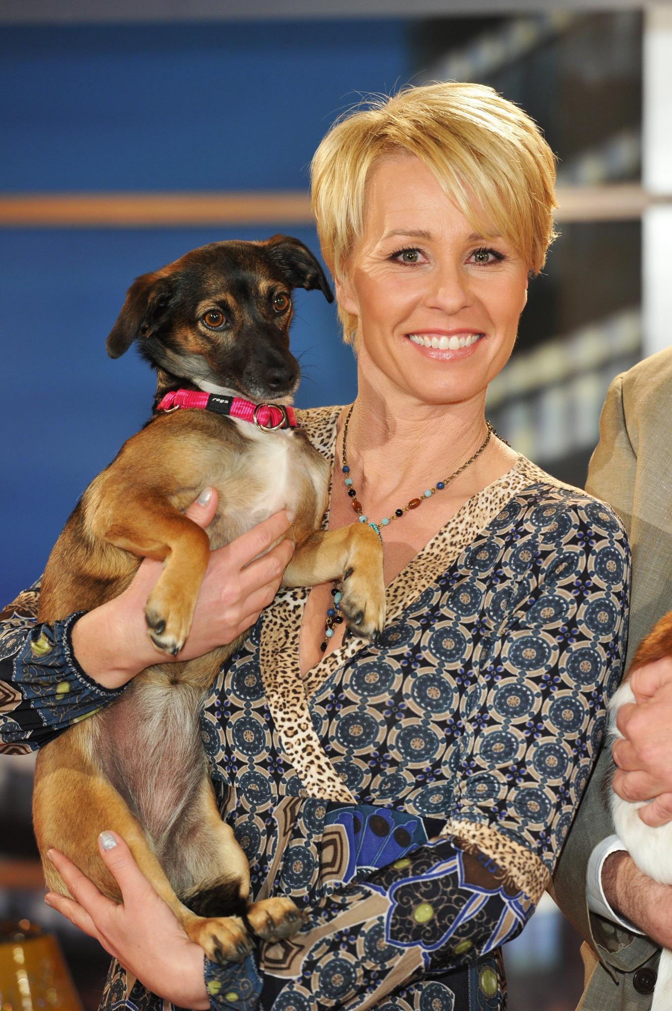 Sonja Zietlow mit ihrem Hund Lila