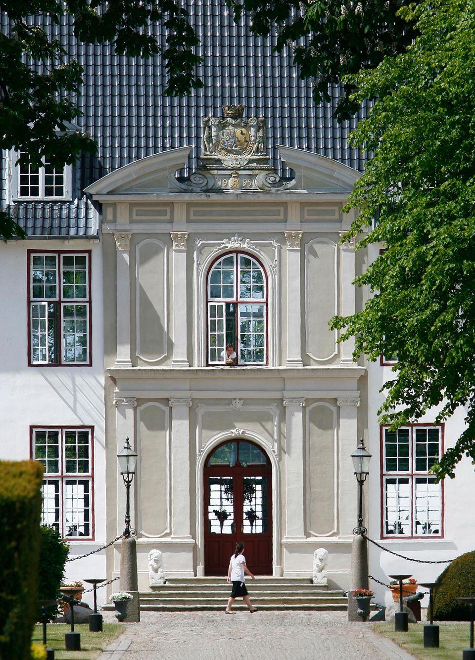 Der bisherige Wohnsitz von Prinz Joachim und Prinzessin Marie ist das Barockschloss Schackenborg, das im kleinen Örtchen Møgeltønder im Süden von Jütland liegt.