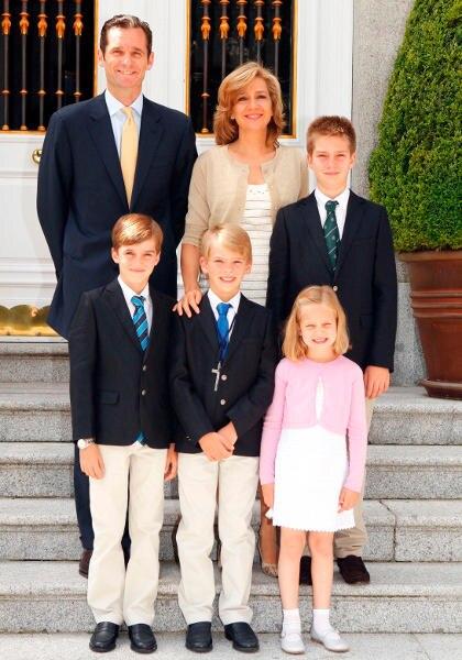 Die Familie: Ex-Handballstar Inaki Urdangarin hat vier Kinder mit der Prinzessin – die Söhne Juan, 14, Pablo, 13, Miguel, 12, sowie Tochter Irene, 9