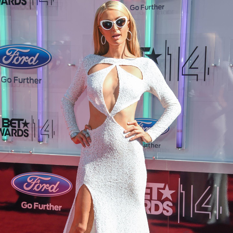 Paris Hilton BläSt