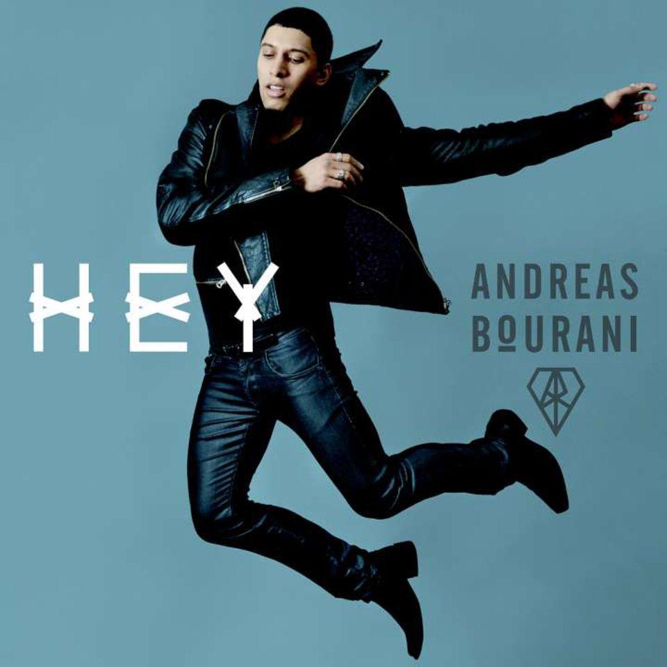 """Hit-Album: Auch zwei Monate nach der Veröffentlichung steht """"Hey"""", das zweite Album von Andreas Bourani, noch in den deutschen Top-20. Alle 13 Songs stammen aus seiner Feder (Vertigo/Universal)."""