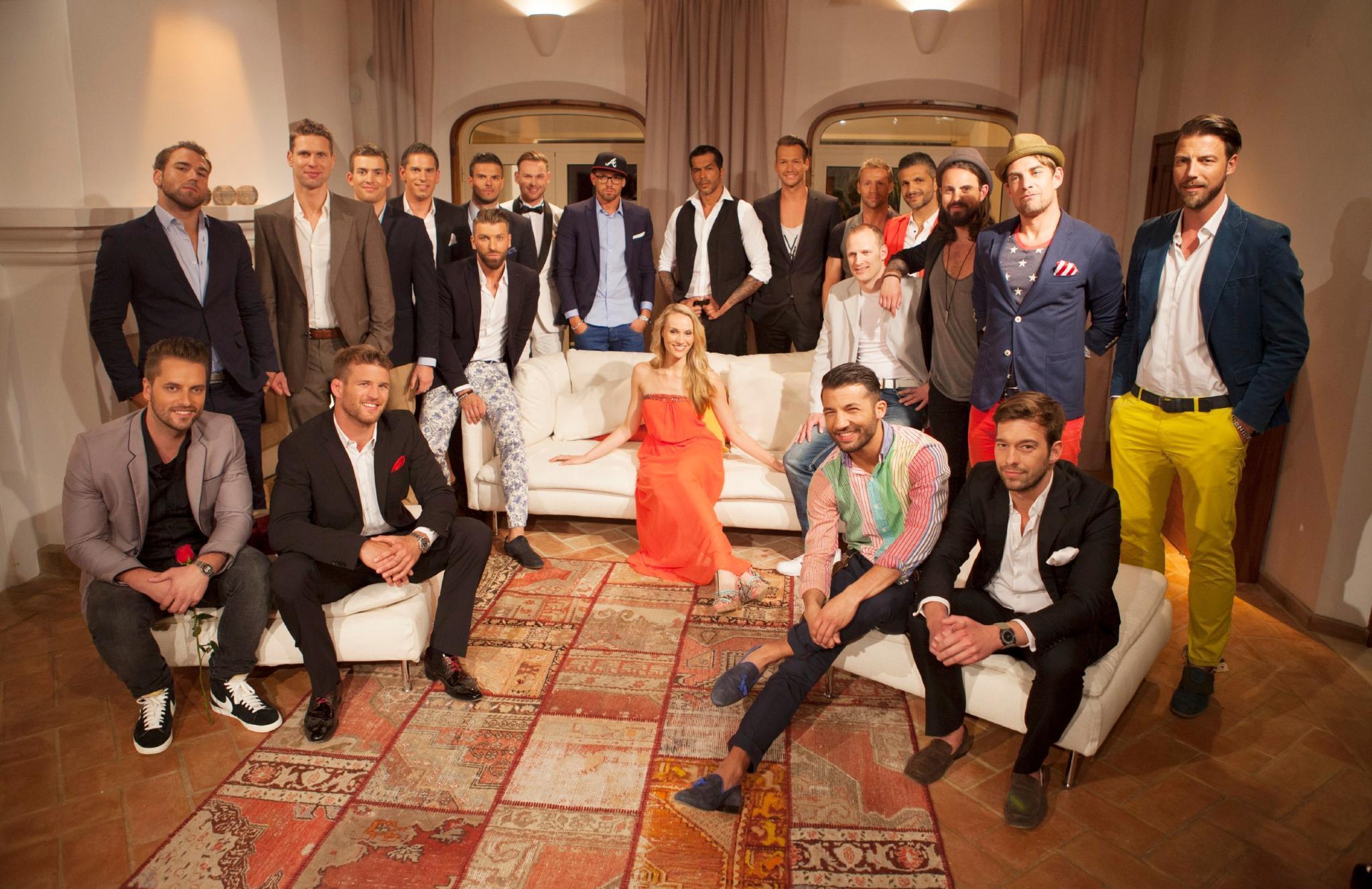 """""""Die Bachelorette"""" Anna Christiana Hofbauer und die 20 Kandidaten."""