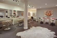 Wer hier lebt, braucht nicht mehr vor die Tür gehen: In Petra Ecclestones Villa gibt es unter anderem ein voll ausgestattetes Kosmetikstudio.