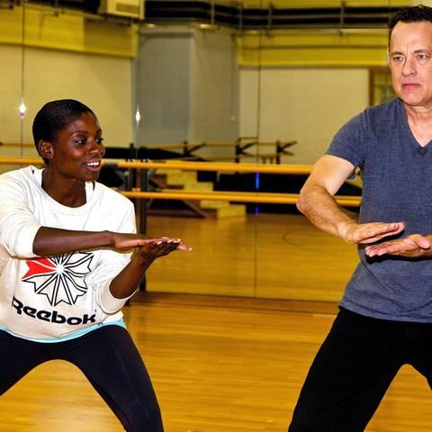 """Für den Film """"Ein Hologramm für den König"""" trainierte Nikeata Thompson Tom Hanks, kürzlich in Berlin."""