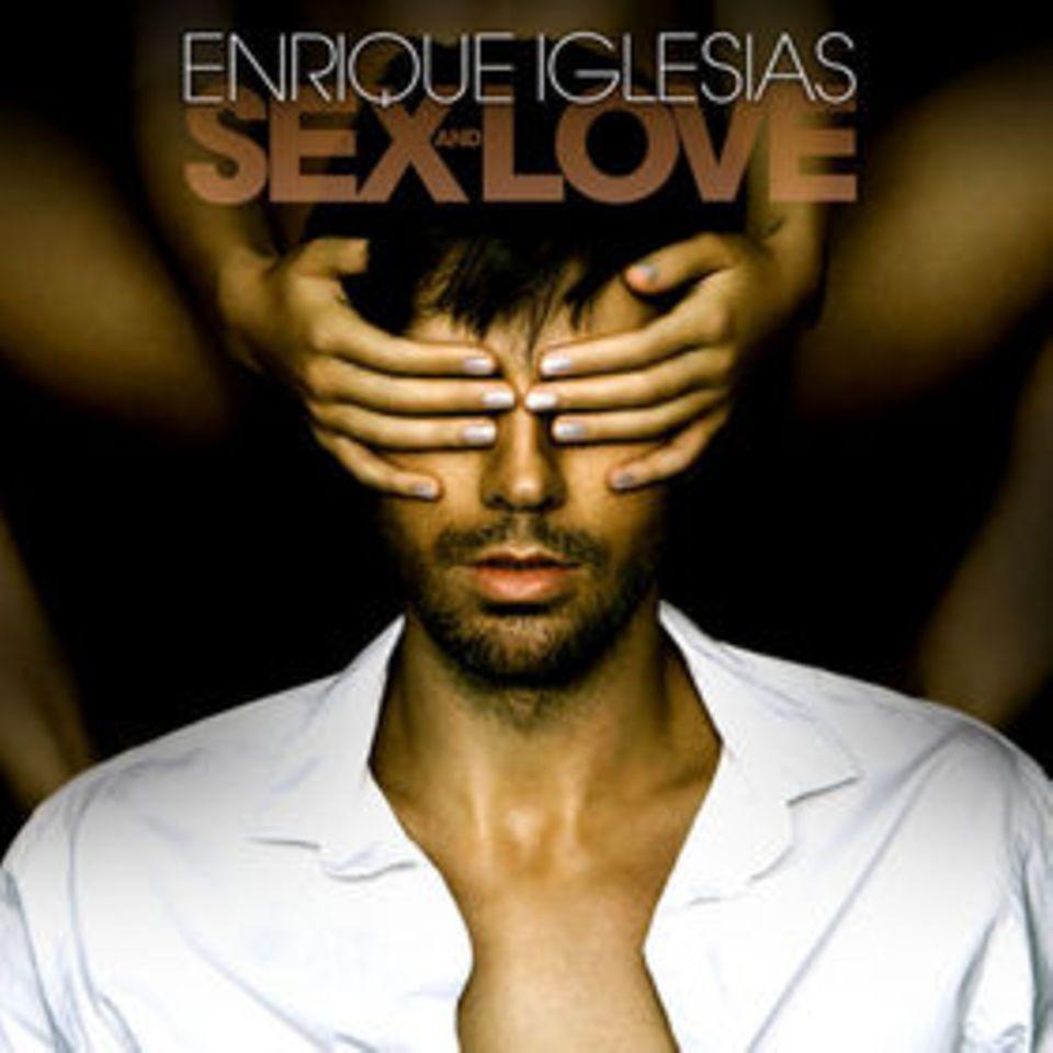 """Beats zum Tanzen: Für sein neues Album """"Sex And Love"""" holte sich Enrique Iglesias prominente Unterstützung unter anderem von Kylie Minogue, Jennifer Lopez und Pitbull. Enriques zehntes Studioalbum ist ein Mix aus Latin-Pop, House, Elektro und Reggae. Der Song """"Bailando"""" stürmte als höchster Neueinstieg die Billboard Hot 100."""