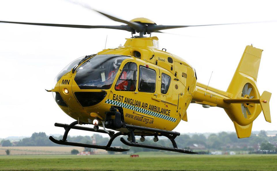 """In so einem Hubschrauber der """"East Anglian Air Ambulance"""" wird Prinz William ab September sein Training beginnen."""