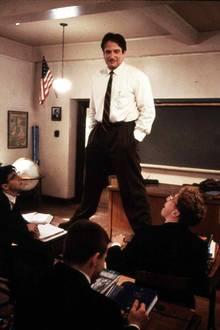 """1989: """"O Captain! My Captain!"""": Für seine Rolle als inspirierender Lehrer in """"Der Club der toten Dichter"""" wird Robin Williams für einen Oscar nominiert."""