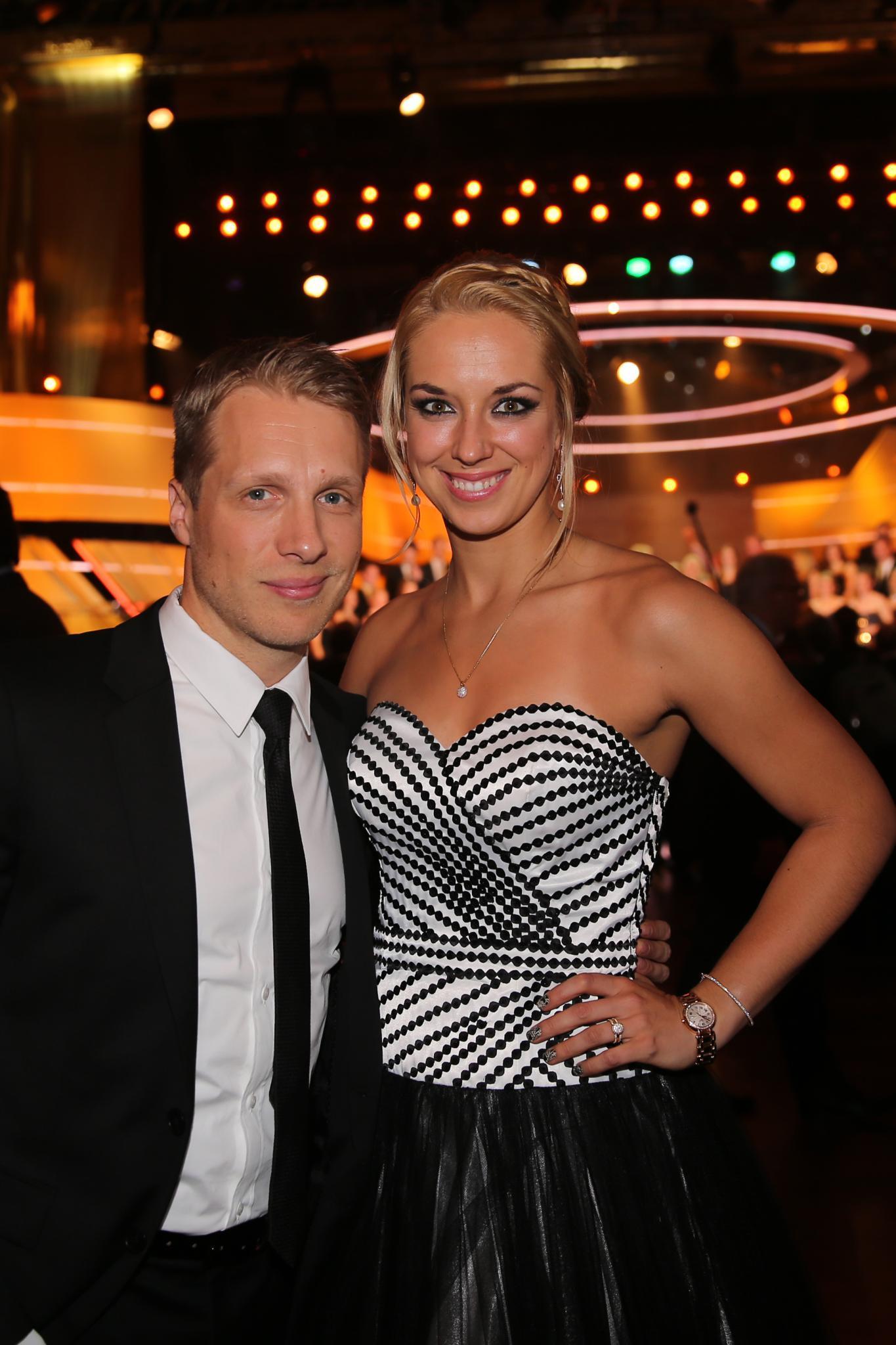 Privat scheint für Pocher alles rundzulaufen. Seit vergangenem Jahr ist der sportbegeisterte Entertainer mit Tennis-Profi Sabine Lisicki liiert.