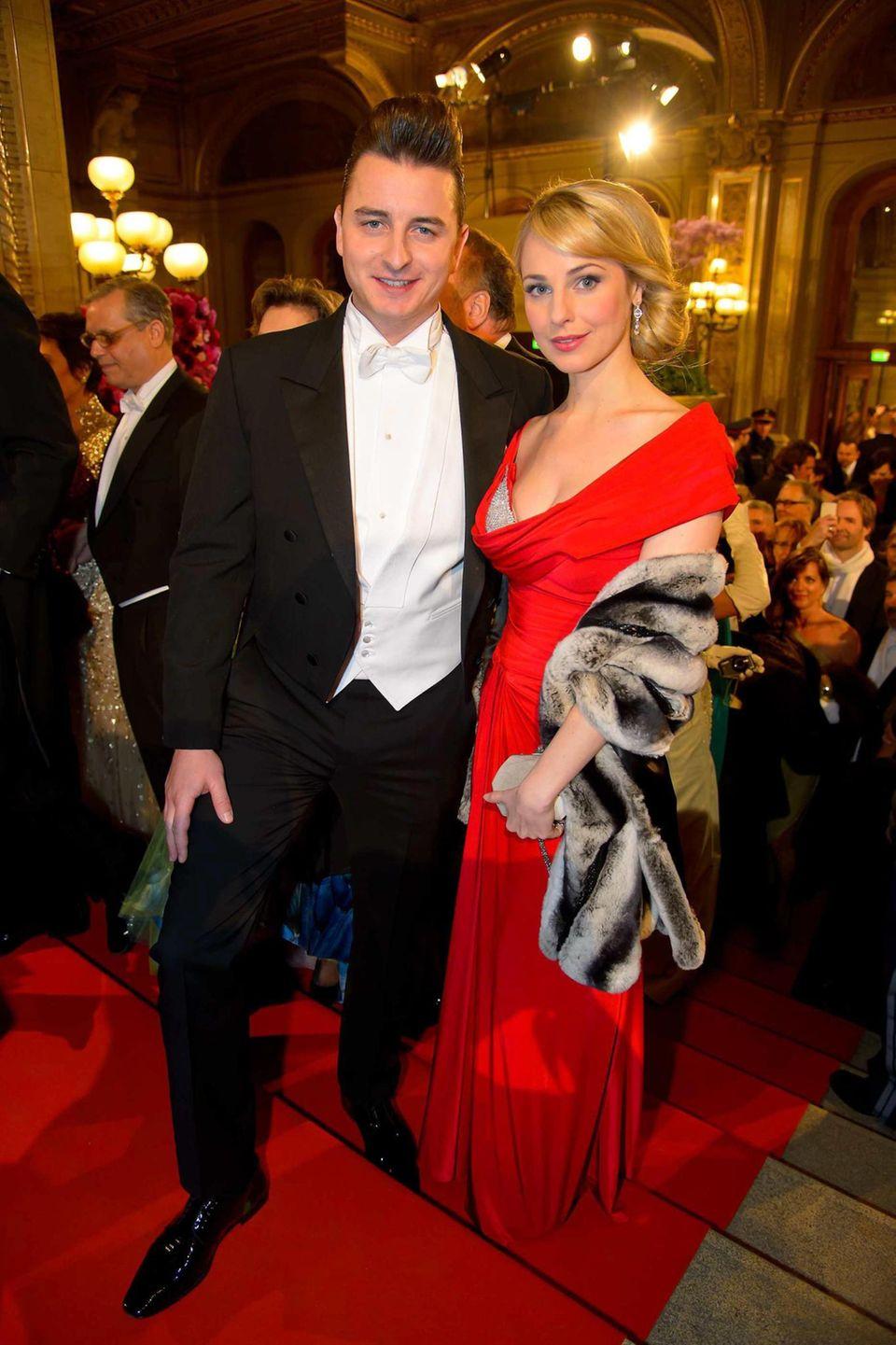Auch privat scheint er sein Glück gefunden zu haben. Seit 2013 ist er mit der Moderatorin Silvia Schneider zusammen.