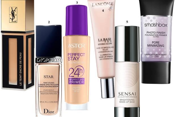 """1 """"Le Teint Encre de Peau Foundation"""" von Yves Saint Laurent, 25 ml, ca. 49 Euro 2 """"Diorskin Star Foundation"""" von Dior, 30 ml, ca. 48 Euro 3 """"Perfect Stay 24h MakeUp + Perfect Skin Primer"""" von Astor, 30 ml, ca. 10 Euro 4 """"La Base Pro Pore Eraser"""" von Lancôme, 20 ml, ca. 36 Euro 5 """"Brightening Make-up Base"""" von Sensai, 30 ml, ca. 64 Euro 6 """"Photo Finish Pore Minimizing Primer"""" von Smashbox, 30 ml, ca. 36 Euro, exklusiv bei Douglas"""