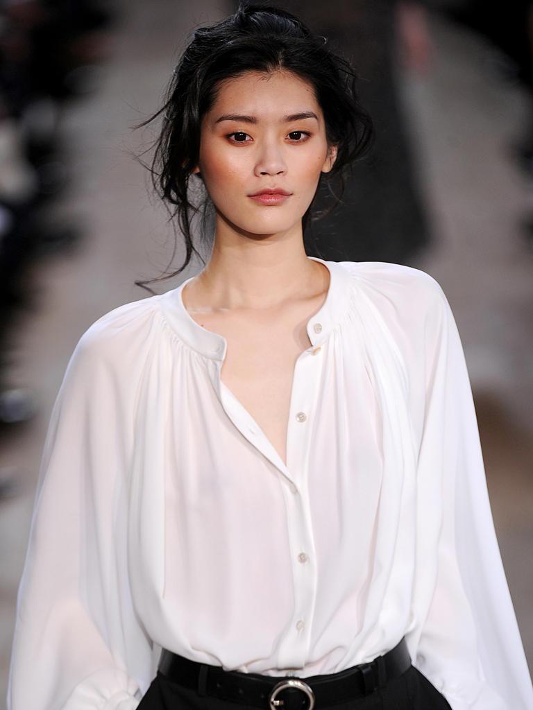 Top-Model Ming Xi wurde für die Herbst/Winter-Shows bei Zac Posen, Chanel, Michael Kors und Akris gebucht