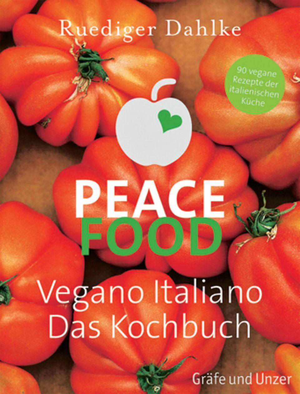 """Ruediger Dahlkes neues Buch zeigt mit farbenfrohen und schmackhaften Rezepten, dass mediterrane Küche spielend ohne tierische Zutaten auskommt: """"Catalogna"""" und """"Sizilianische Mandelsoße"""" sind angesagt. (""""Peace Food – Vegano Italiano"""", GU Verlag, 192 S., 19,90 Euro)"""