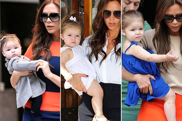 Harper Beckham: Harper Beckham wächst zum absoluten Fashion Victim heran: Bereits als Kleinkind ist sie auf dem Arm von Mutter Victoria super stylisch unterwegs.