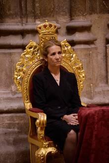 Sogar Prinzessin Elena ist zur Beerdigung gekommen - einer ihrer selten gewordenen Auftritte, da sie nicht mehr zur spanischen Königsfamilie zählt.
