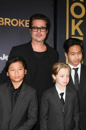 Brad Pitt, Shiloh Nouvel, Pax, Maddox, Jane Pitt, William Pitt