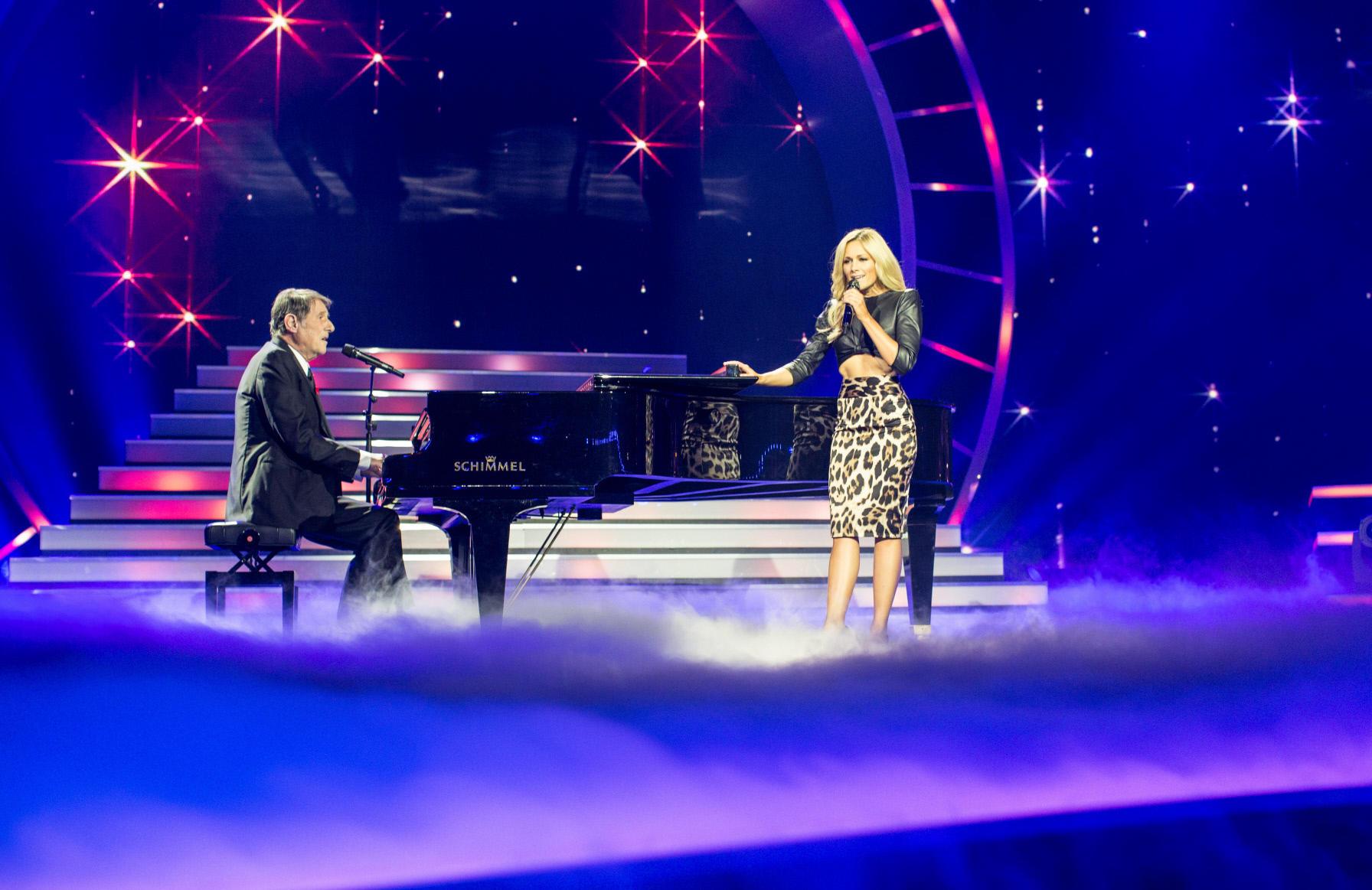 In der Show singt Udo Jürgens im Duett mit Helene Fischer.