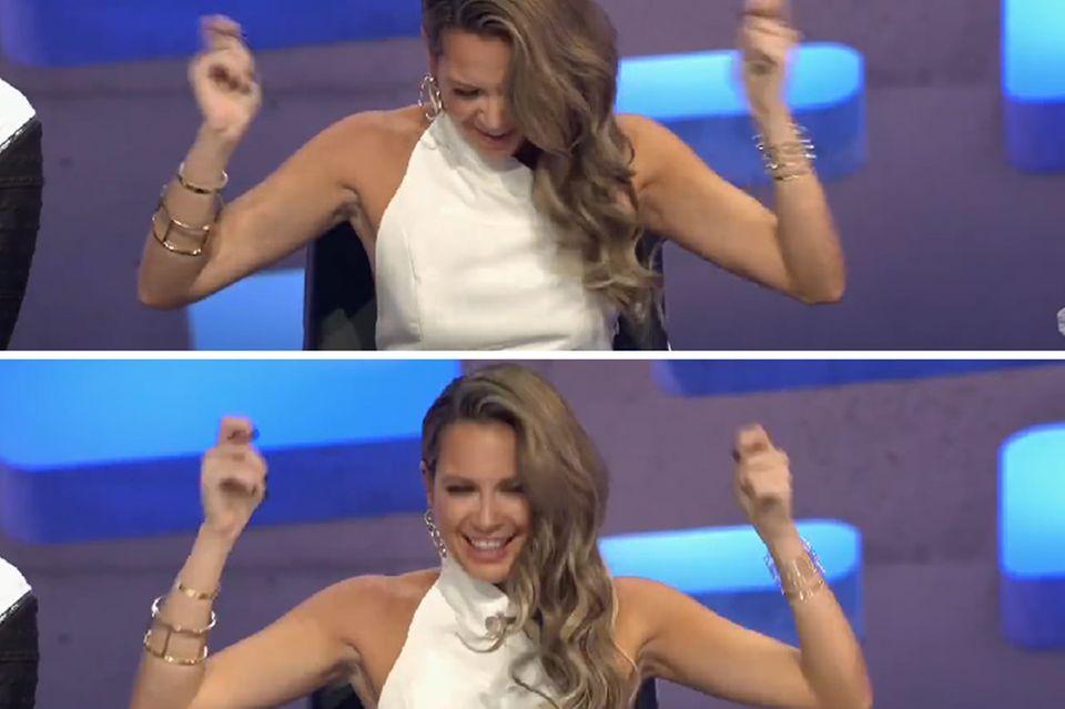 """Sympathische """"Tanzeinlage"""": Bei manchen Kandidaten der neuen """"Deutschland sucht den Superstar""""-Staffel möchte Jurorin Mandy Capristo am liebsten direkt mit performen und ist sich nicht zu schade dafür, vom Jury-Pult aus zu einigen Auftritten mitzugehen."""