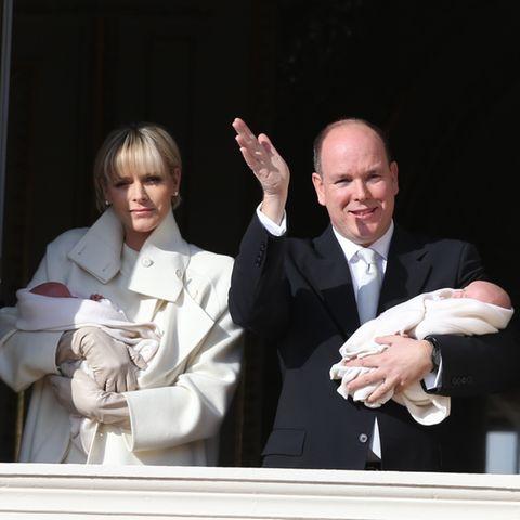 Fürstin Charlène, Fürst Albert, Prinzessin Gabriella, Prinz Jacques