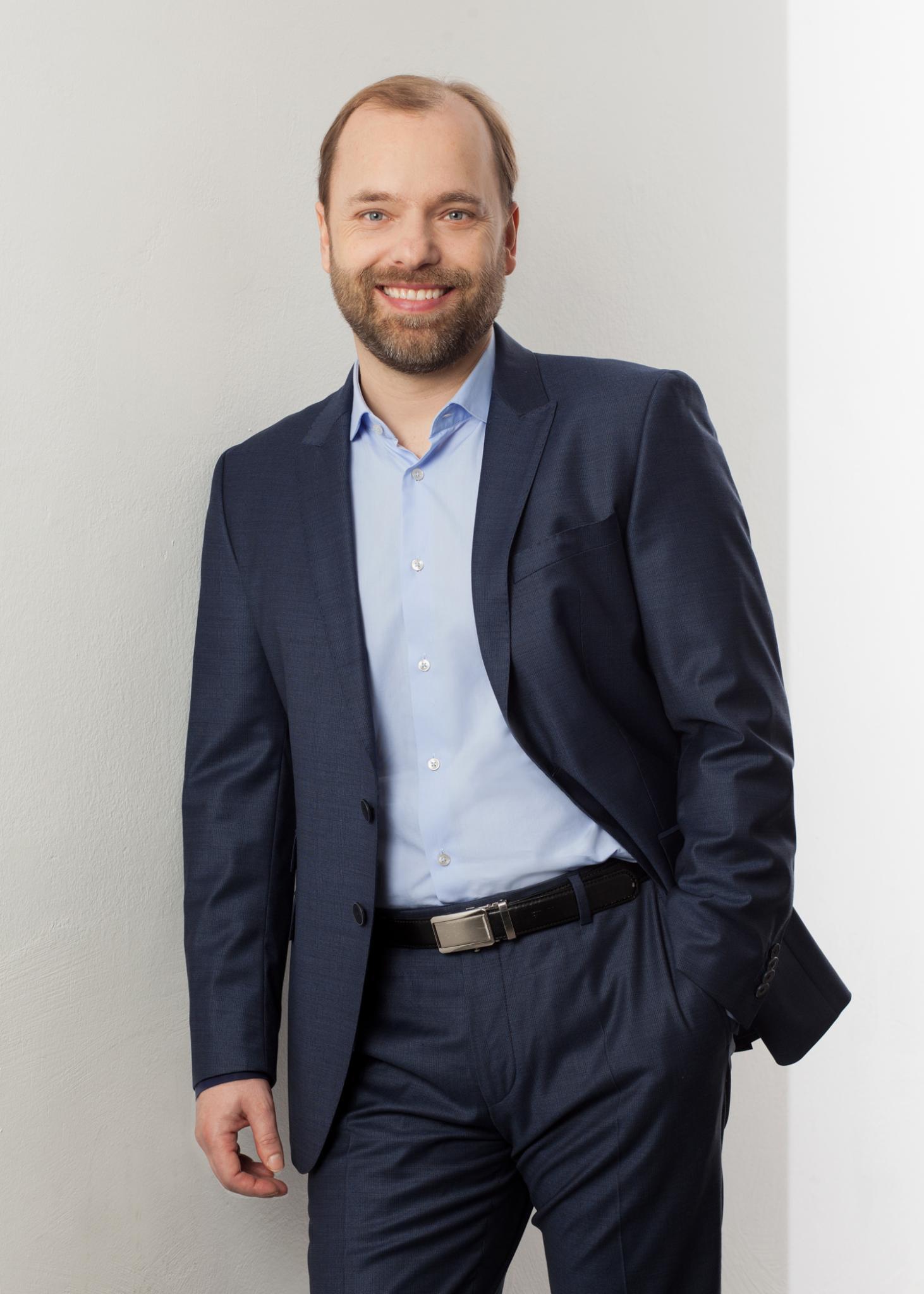 Dr. Rene Schumann Facharzt für Plastische und Ästhetische Chirurgie (Yuveo Klinik Düsseldorf)