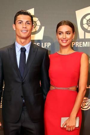 Hier lachen noch beide zusammen in die Kamera: Cristiano Ronaldo + Irina Shayk