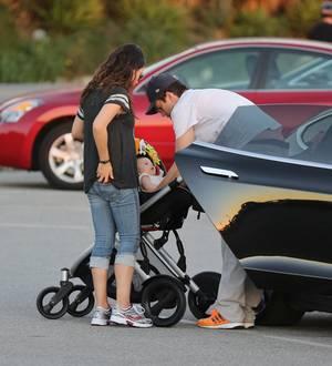 Mila Kunis, Ashton Kutcher, Wyatt Isabelle Kutcher