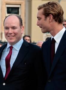 Fürst Albert ist seit dem Tod von Stefano Casiraghi eine Art Ersatzvater für Pierre.