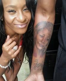 Bobbi Kristina Brown ist Stolz auf Nick Gordons Tattoo ihrer verstorbenen Mutter