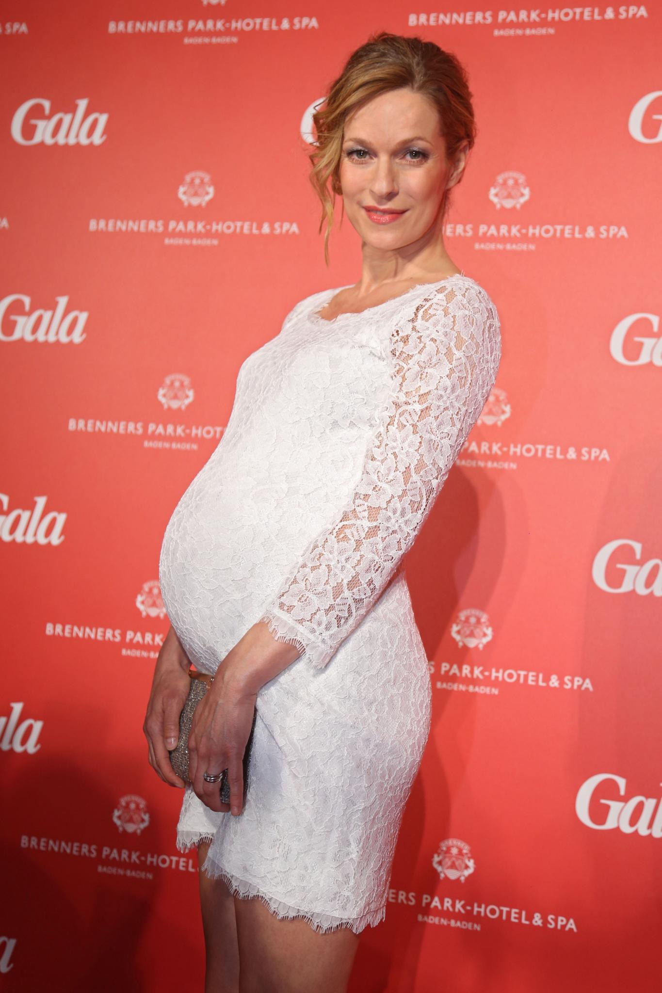 Süßer Hingucker: Lisa Martinek mit Babybauch