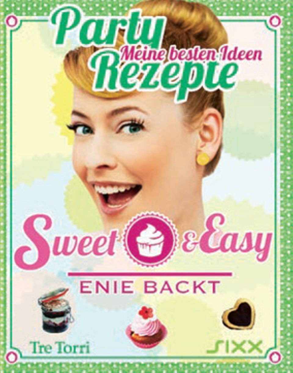 """TV-Backfee Enie van de Meiklokjes zeigt in ihrem dritten Backbuch, dass raffinierte Rezepte wie Schaumclowns und Kirschblütencupcakes jede Party und jede Familienfeier in ein Gourmetfestival verwandeln. Herzhaftes wie das Tartepäckchen """"Surprise"""" kann das Sweetheart übrigens auch. (""""Enie backt – Partyrezepte"""", Tre Torri Verlag, 160 S., 19,99 Euro)"""