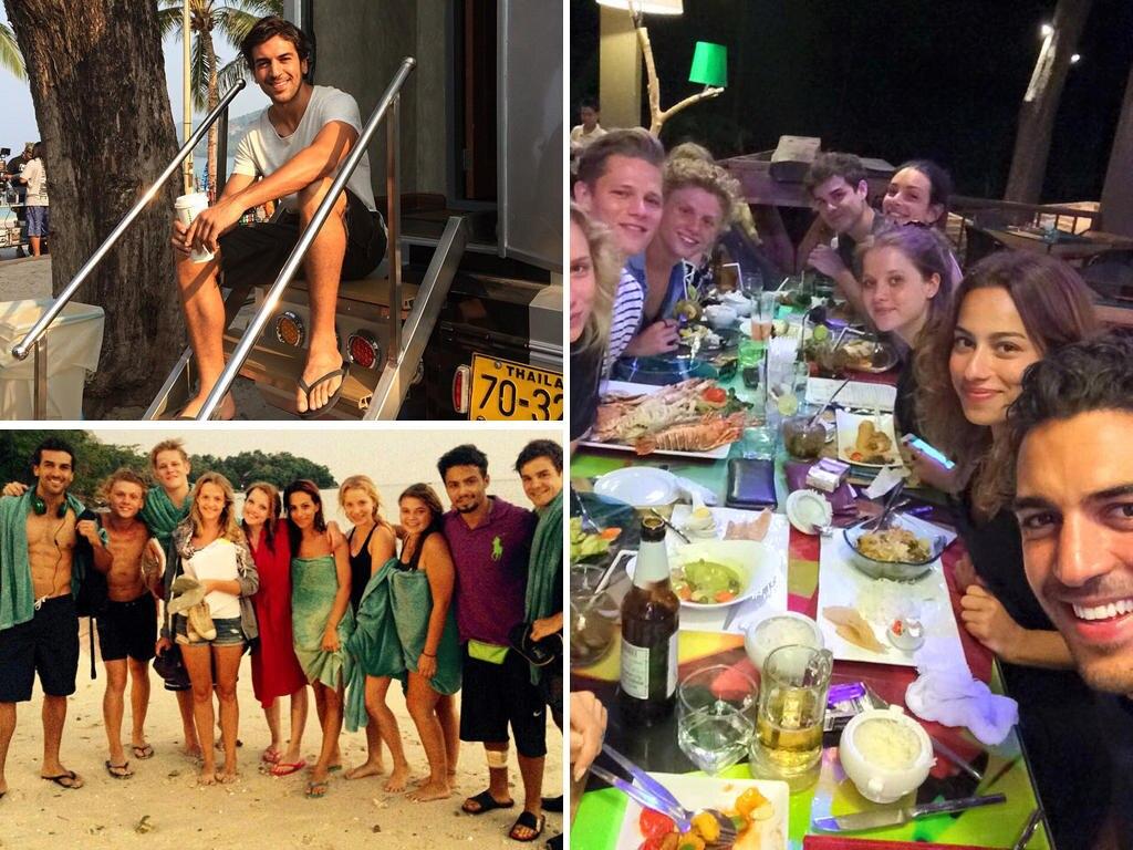Das schreit nach Klassenausflug am Strand: Die ganze Film-Crew genießt nicht nur die thailändische Sonne, sondern abends auch ein gemeinsames Essen. Das bringt vor allem Elyas M'Barek zum Strahlen.