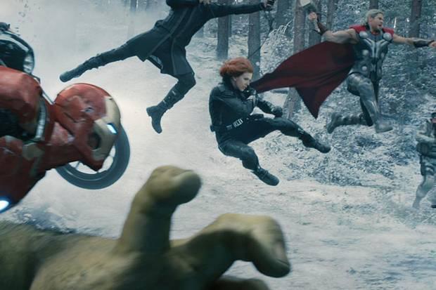 Die Avengers im spektakulären ersten Kampf im Schnee