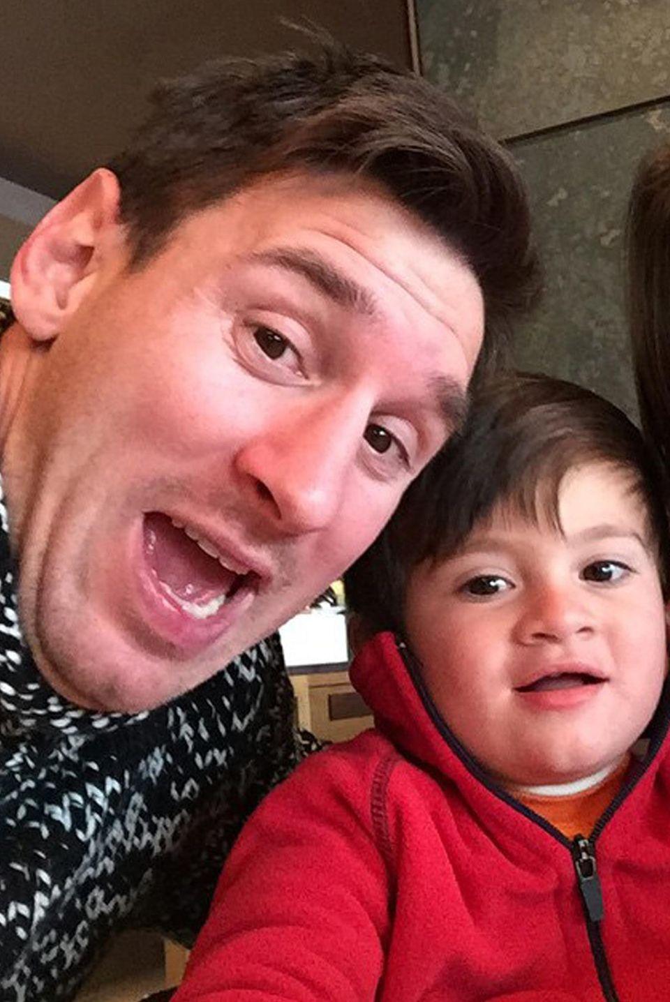 Lionel Messi und Antonella Roccuzzo mit ihrem Sohn Thiago.