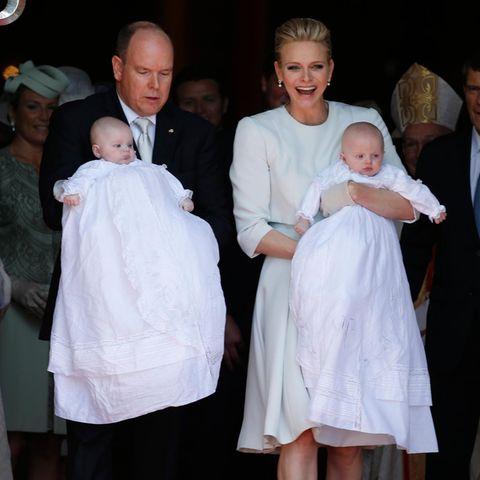 Fürstin Charlène und Fürst Albert mit ihren Zwillingen.