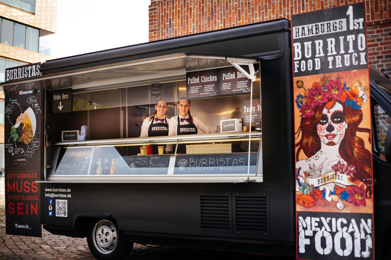 """Im Foodtruck """"Burritos"""" gibt es - wie der Name schon sagt - feurige Burritos."""