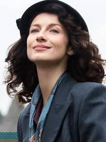 """Caitriona Balfe reist als """"Claire Randall/Fraser"""" in der TV-Serie """"Outlander"""" durch die Zeit. Im Jahr 1945 wird sie ins Schottland des Jahres 1743 versetzt - und findet dort eine neue Liebe."""