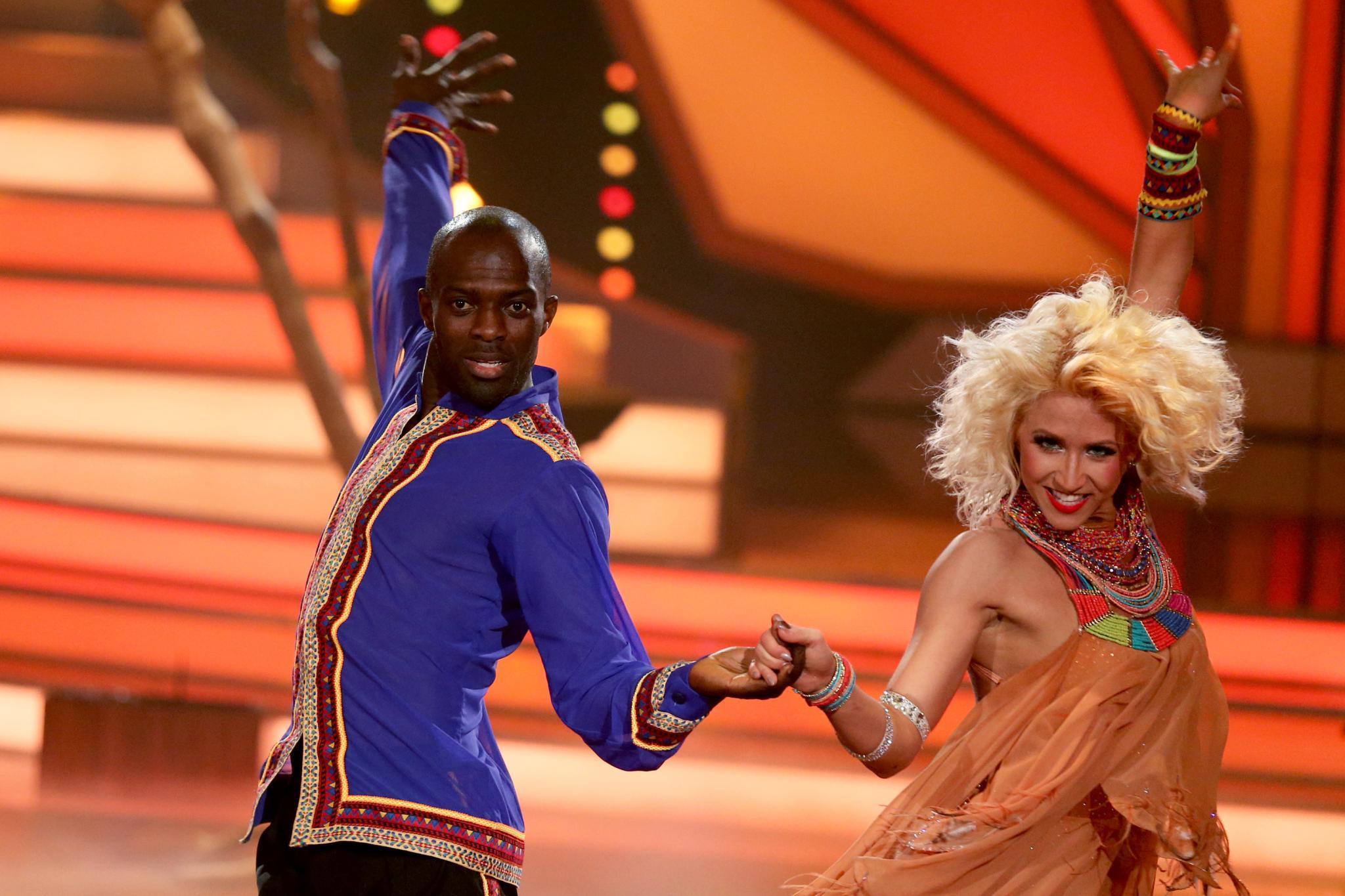 Lets Dance Hans Sarpei Tanzt Sich Zum Sieg Galade