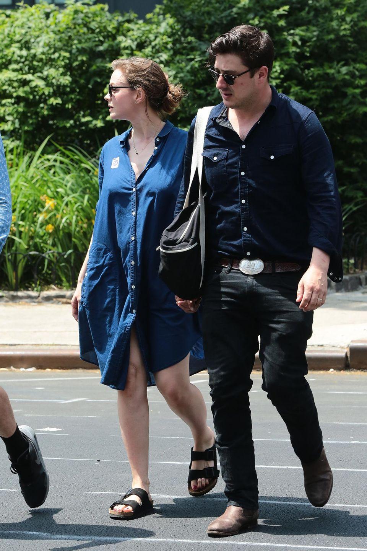 Das sieht ganz nach Babybäuchlein aus: Carey Mulligan und Marcus Mumford unterwegs in New York.