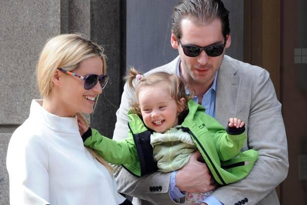 Michelle Hunziker, 38, und Tomaso Trussardi, 32, haben zwei gemeinsame Kinder: Töchterchen Sole kam im Oktober 2013 auf die Welt, im März 2015 die kleine Celeste. Hunzikers erste Tochter Aurora stammt aus der Ehe mit Popstar Eros Ramazzotti.