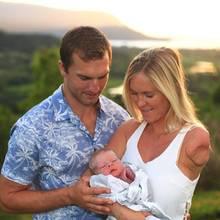 Bethany Hamilton und Adam Dirks sind Eltern eines kleines Sohnes geworden.