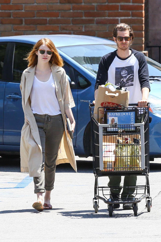 Ein getrenntes Paar sieht anders aus: Emma Stone und Andrew Garfield zeigen sich entspannt beim Einkaufen in Malibu, Kalifornien.
