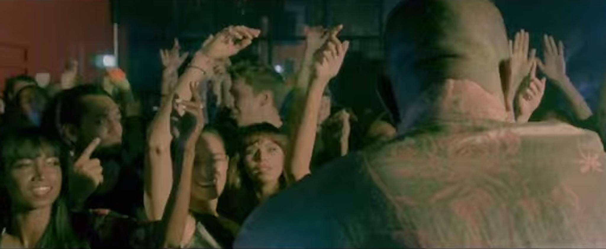 "Liliana Nova im Video zu ""All Your Fault"""