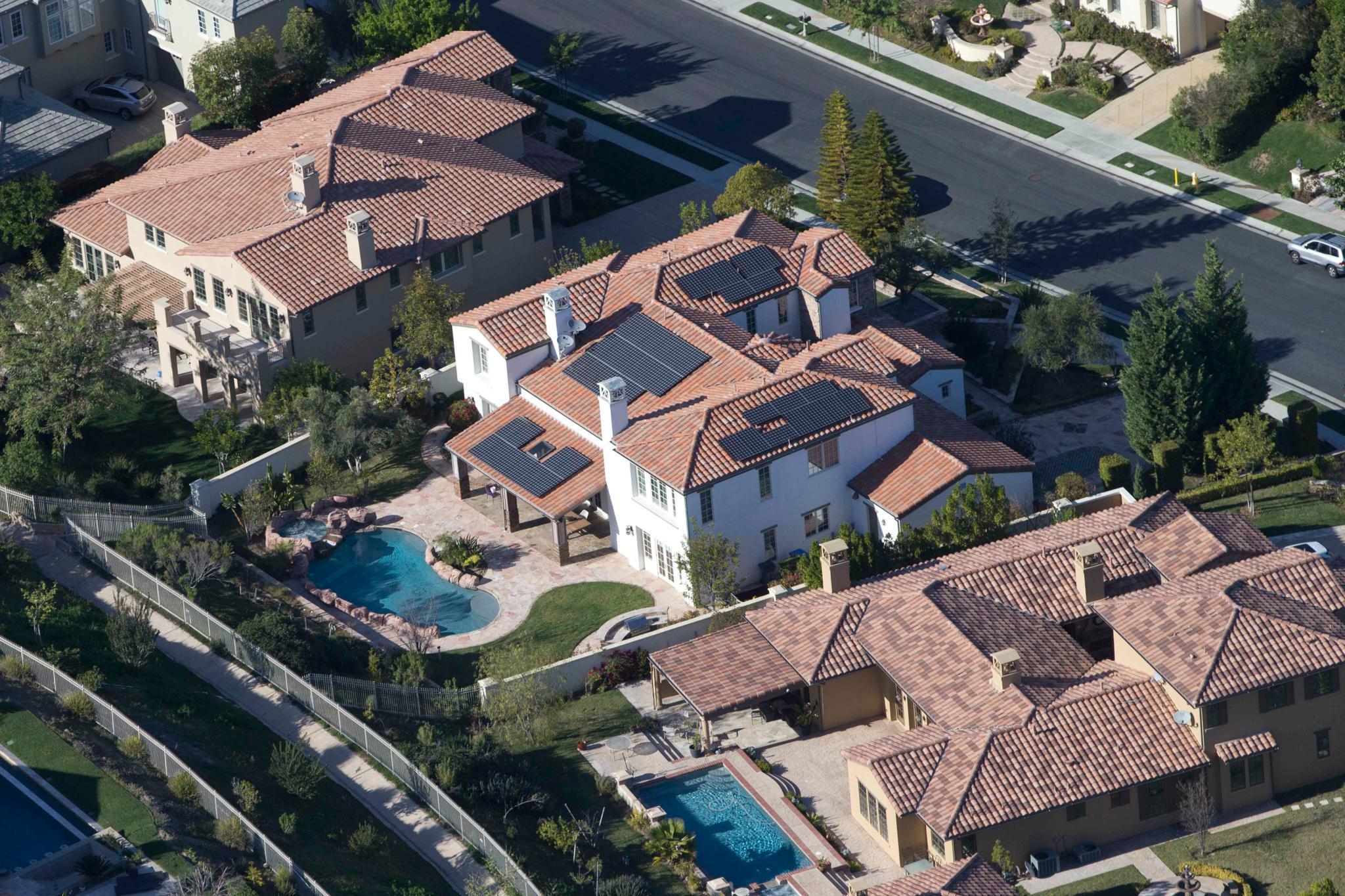 kylie jenner wie konnte sie sich eine 2 5 millionen teure villa leisten. Black Bedroom Furniture Sets. Home Design Ideas