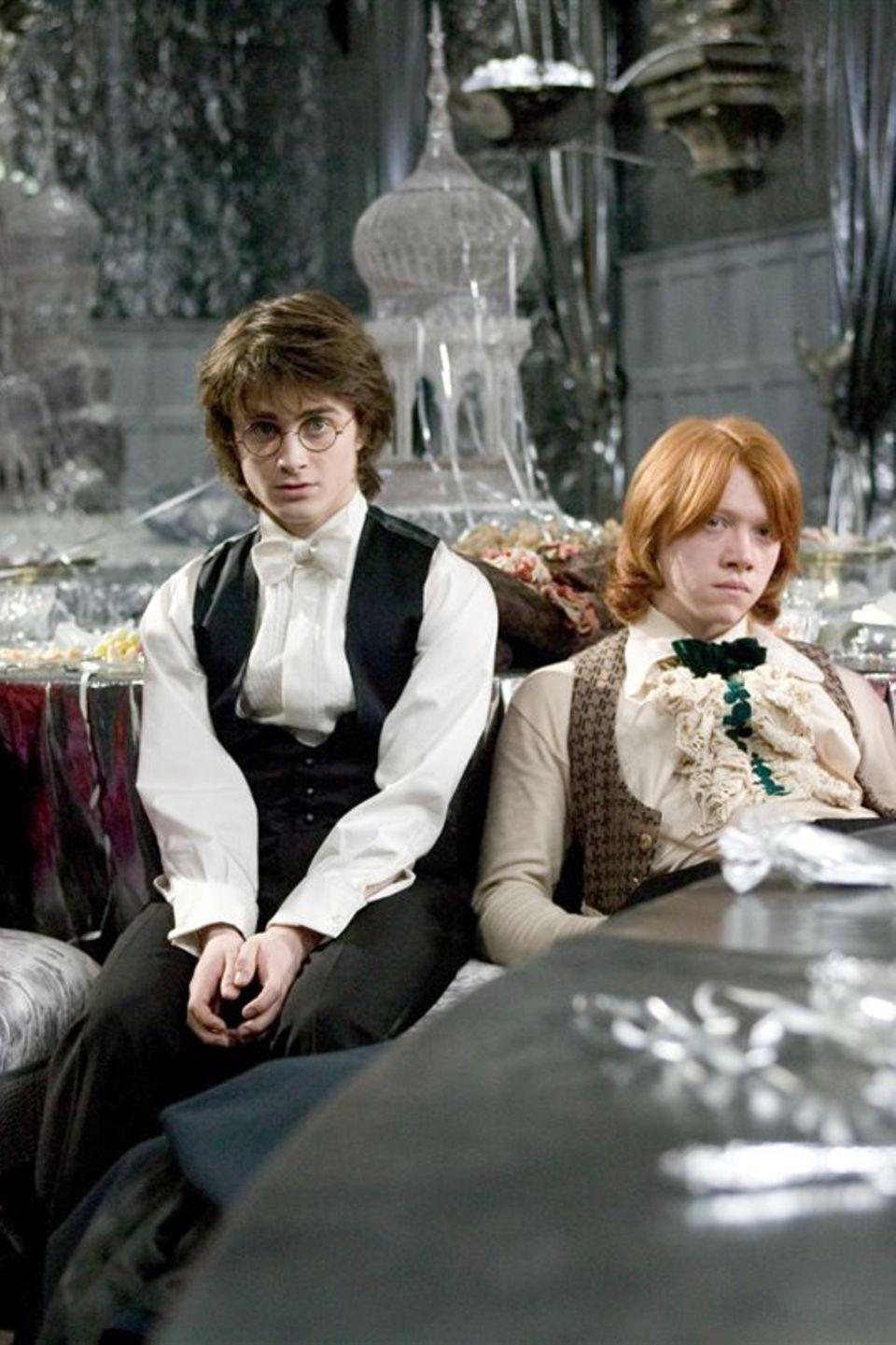 """In der Verfilmung von """"Harry Potter und der Feuerkelch"""" ist Afshan Azad als Padma Patil (ganz rechts) erstmals neben Daniel Radcliffe und Rupert Grint zu sehen."""