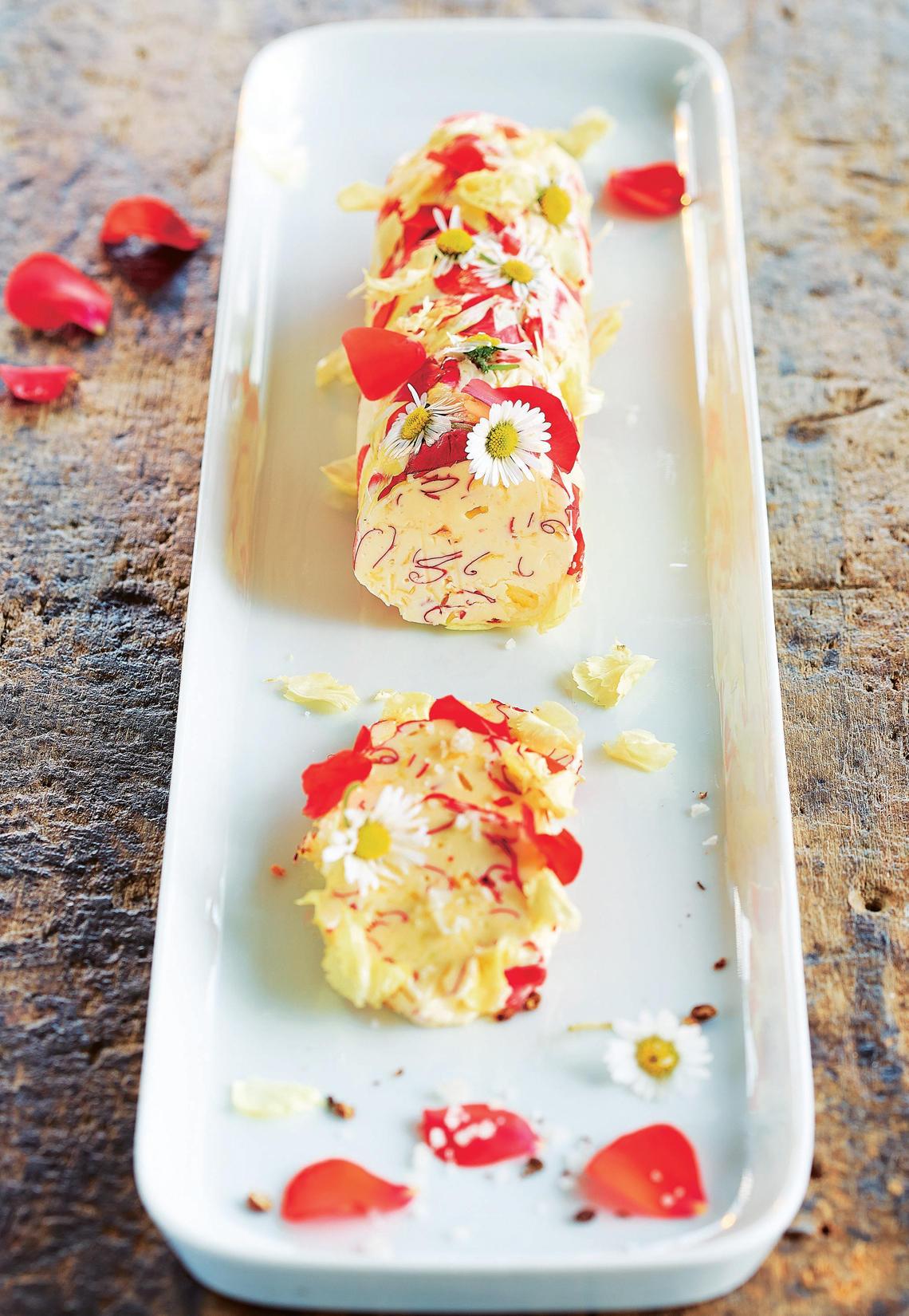 Blütenbutter mit Zitronensalz