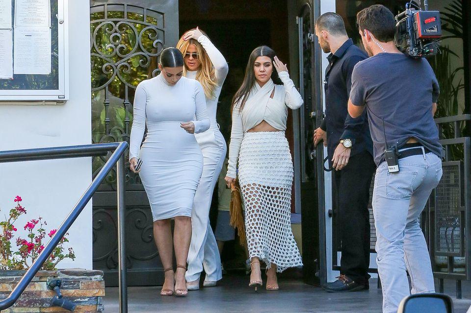 "Kim, Khloé und Kourtney Kardashian drehen die elfte Staffel ihrer Reality-Show ""Keeping Up With The Kardashians""."