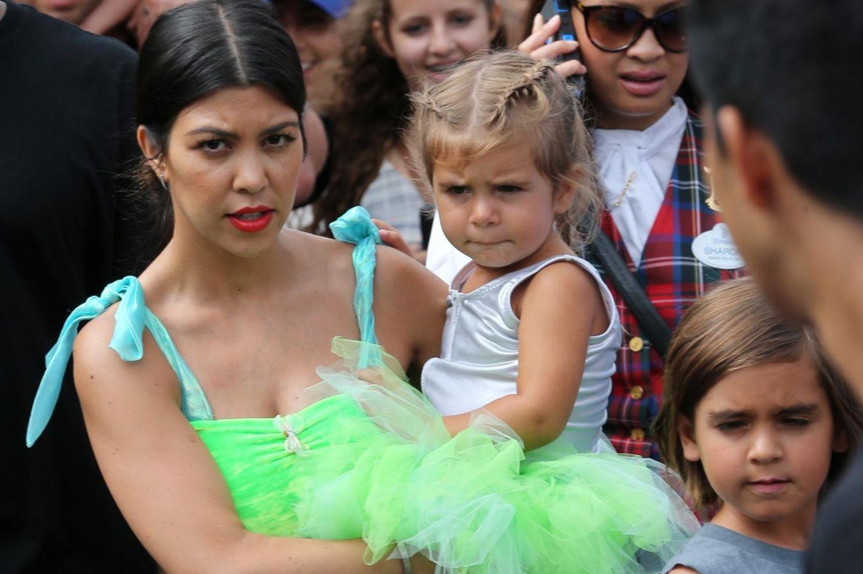 Kourtney Kardashian mit ihren Kindern Penelope Disick und Mason Disick