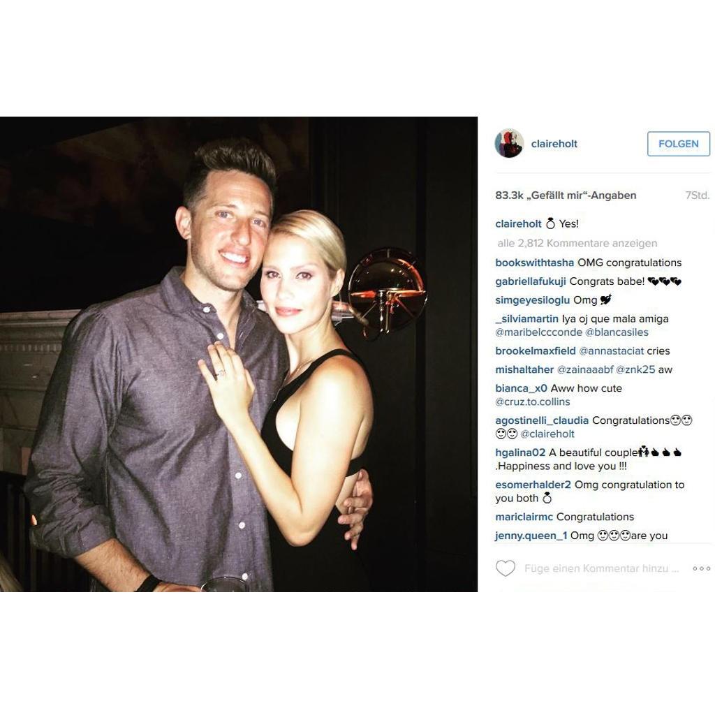 Mit diesem Foto verkündet Claire Holt ihre Verlobung mit Matt Kaplan via Instagram. Nicht zu übersehen: der Bling-Ring an ihrem linken Ringfinger.
