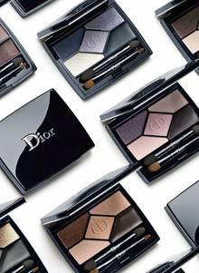 """Relaunch mit Verstand: Philips ließ die Felder der """"5 Couleurs Designer Palette"""" verlängern, der Pinsel nimmt mehr Pigmente auf, man kann effektiver arbeiten. Sechs Varianten, je ca. 58 Euro"""